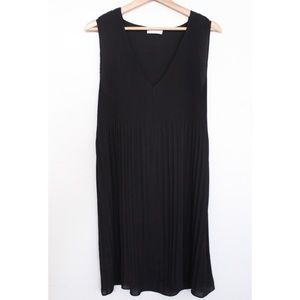 Aritzia Babaton Mathis Pleated Dress